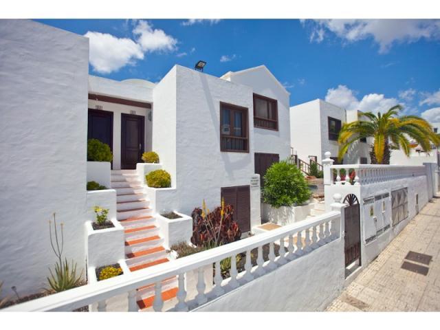 front of complex - 3A Columbus Apartments, Puerto del Carmen, Lanzarote