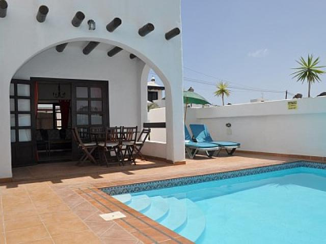 3 bedroom, 3 bathroom villa apartment with a private pool