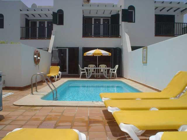 (3x) 3 bedroom Beach front Villas in Corralejo with views of Lobos and Lanzarote - best views in Corralejo sleeps up to 6 people, private heated pool.