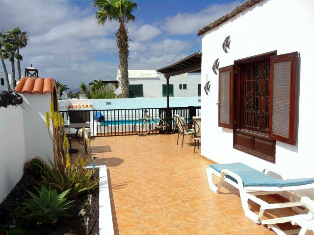 Large front patio  - Casa Dasha , Matagorda, Lanzarote