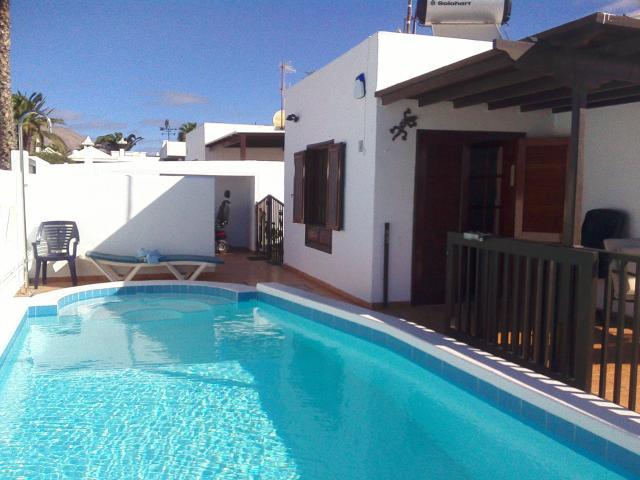 Solar heated & acclimatized pool  - Casa Dasha , Matagorda, Lanzarote