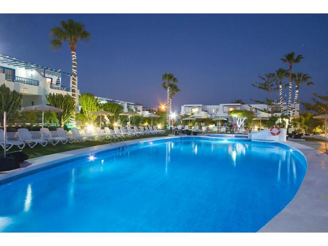 Our large heated swimming pool - 2 Bed - Diamond Club Calypso, Puerto del Carmen, Lanzarote