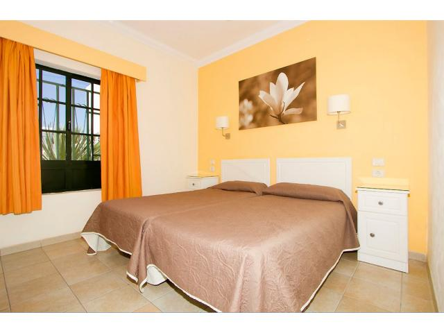 All bedrooms have twin beds - 1 Bed - Diamond Club Maritima, Puerto del Carmen, Lanzarote