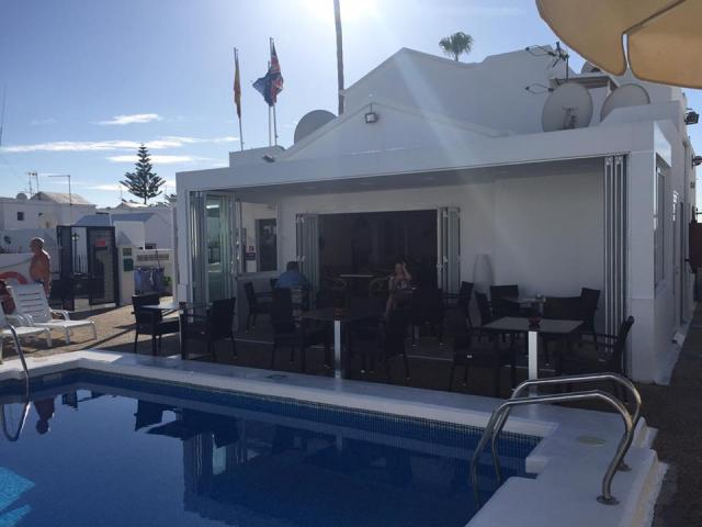 The resort pool bar / restaurant - 1 Bed - Diamond Club Maritima, Puerto del Carmen, Lanzarote