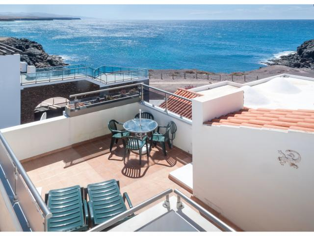 2-bedroom apartment in El Cotillo with wonderful sea views