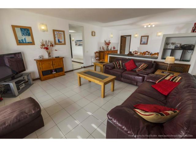 The spacious lounge - Villa Charlotte, Playa Blanca, Lanzarote