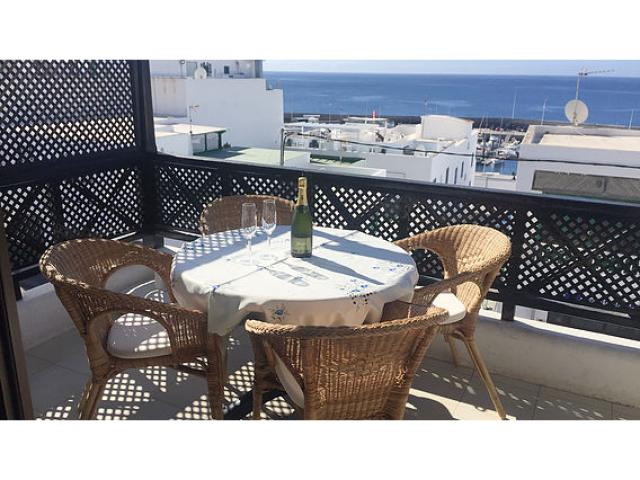 2 bedroom 1 bathroom apartment in the old town of Puerto del Carmen Lanzarote. Overlooking the harbour area.