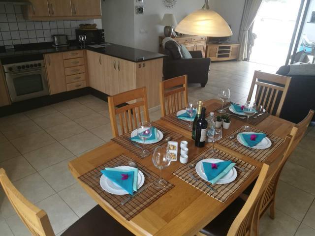 Open plan dining and kitchen - Casa Margaret, Playa Blanca, Lanzarote