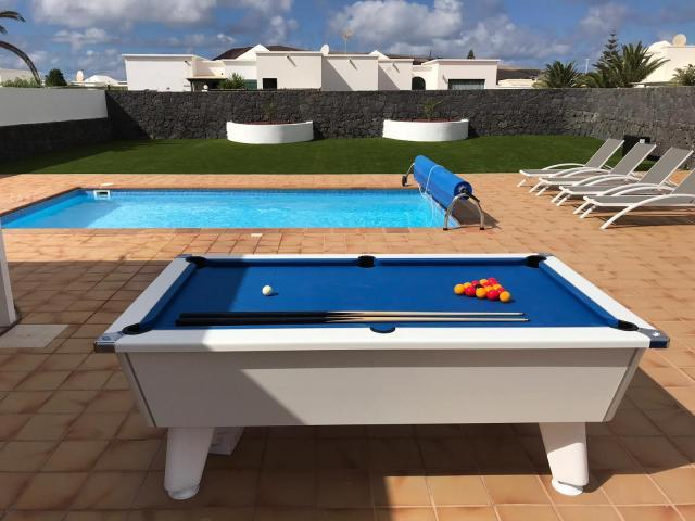 Villa Sara Luxury mordern family villa, private heated poll and pool table
