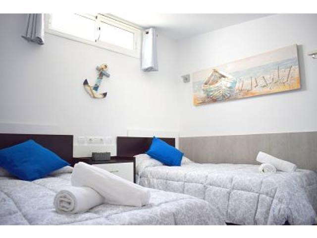 Twin bedroom upstairs - Holiday Urban, Corralejo, Fuerteventura