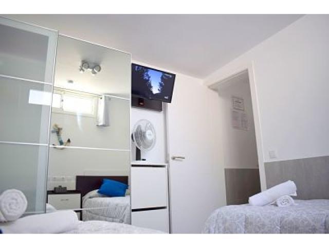 Wardrobe, fan and flat screen Twin bedr. - Holiday Urban, Corralejo, Fuerteventura